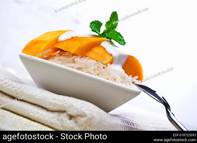Thai Mango Sticky Sweet Rice Dessert (Khao Niaow Ma Muang)