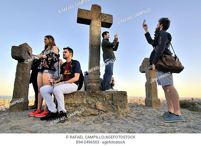 Three Crosses, Tres cruces viewpoint, Park Güell, Park Guell. Garden complex with architectural elements situated on the hill of el Carmel