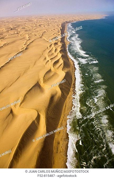 Long Wall, Atlantic Ocean, Namib desert, Swakopmund, Namibia