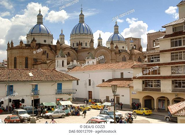 Ecuador - Azuay Province - Cuenca. Historic Cuenca. UNESCO World Heritage List, 1999. Market square and blue domed Catedral Nueva