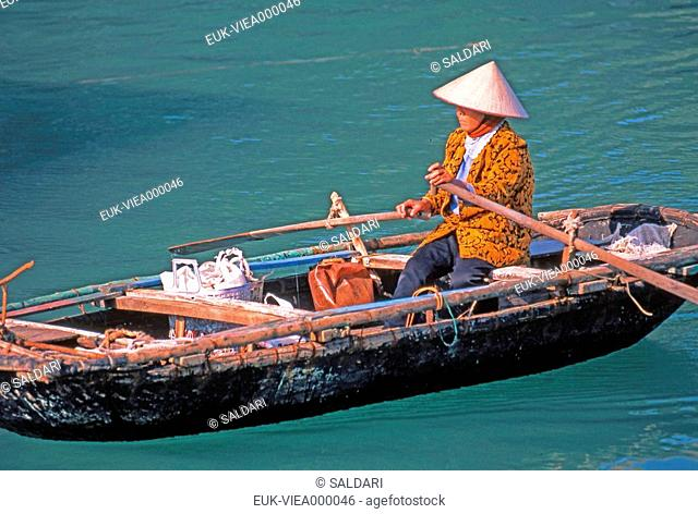 Asia, Vietnam, sampan, Asian woman, boat, boat, boat out of wooden, water, river, transport, displacement, Viet-Nam, Vietnam, Vietnam, Viet-Nam, Southeast Asia
