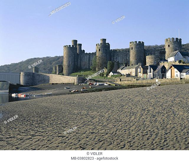 Great Britain, Wales, Conwy Castle,  13. Jh., beach,   Europe, island, North Wales, water, estuary, Conwy-Fluss, sandy beach, construction, castle, considerably