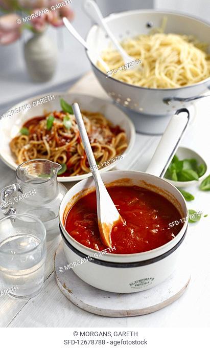 Hot tomato and chili sauce