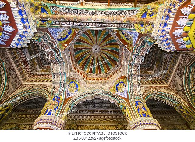 Interior of Durbar Hall, Thanjavur Maratha palace, Thanjavur, Tamil Nadu, India. Known locally as residence of the Bhonsle family which ruled over the Tanjore...