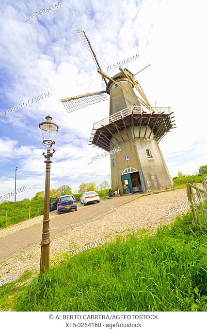 Traditional Dutch Windmill, Woudrichem, Noord-Brabant Province, Holland, Netherlands, Europe