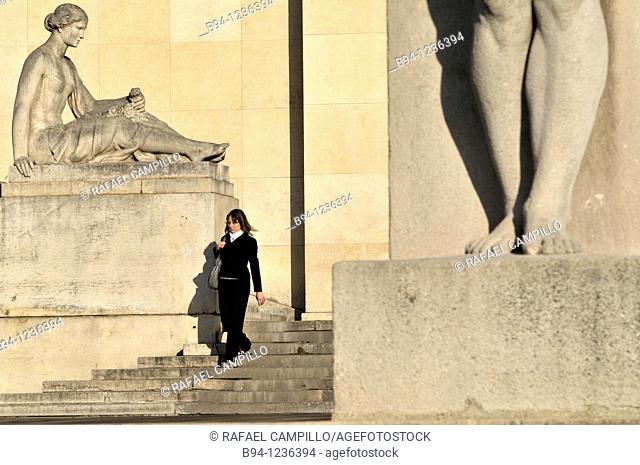 Trocadero area. Chaillot Palace. Flore, sculpture by Louis Lejeune, 1937, and detail of legs of the Man, sculpture by Pierre Traverse. Paris, France