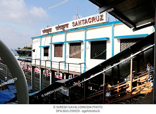 Santacruz railway station, Mumbai, Maharashtra, India, Asia