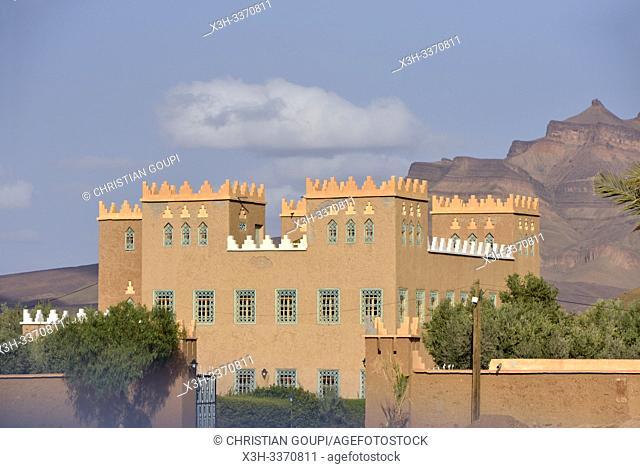 house at the foot of Djebel Kissane, near Agdz, Mount Kissane (Jbel Kissane), Draa-Tafilet region, Morocco, North West Africa