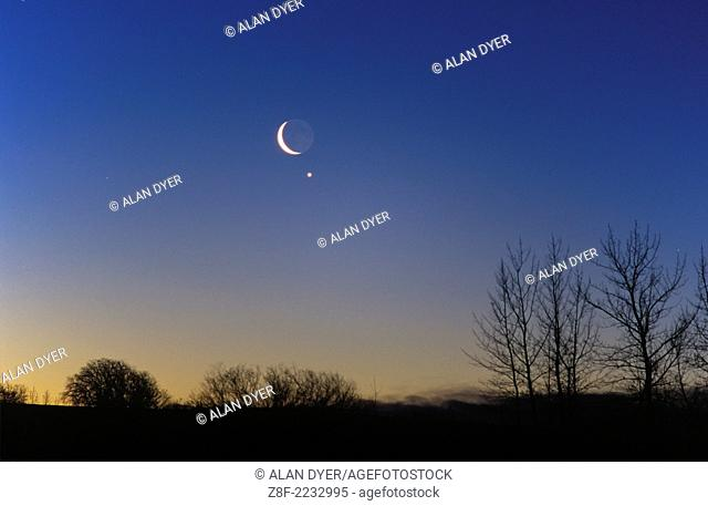 Waning crescent moon venus Stock Photos and Images | age