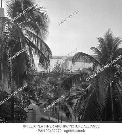 View from balcony to port and bay, Cartagena (Bolivar), Colombia, 1958. | usage worldwide. - Cartagena (Bolivar)/Colombia