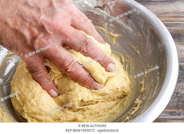 How to make yeast dough - step by step: mix all ingredients. Party dessert