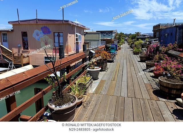 Houseboats in Sausalito, San Francisco, North America, USA, South-West, California