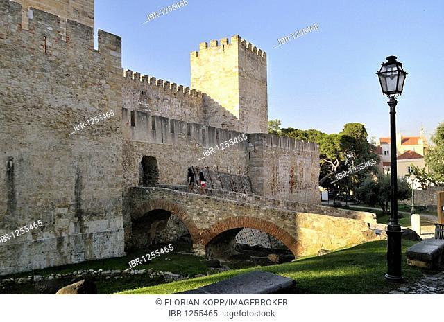 Entrance area of the originally Moorish castle Castelo Sao Jorge, Lisbon, Portugal, Europe