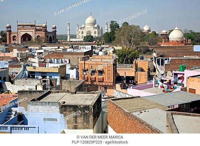View over the city Agra and the Taj Mahal, Uttar Pradesh, India