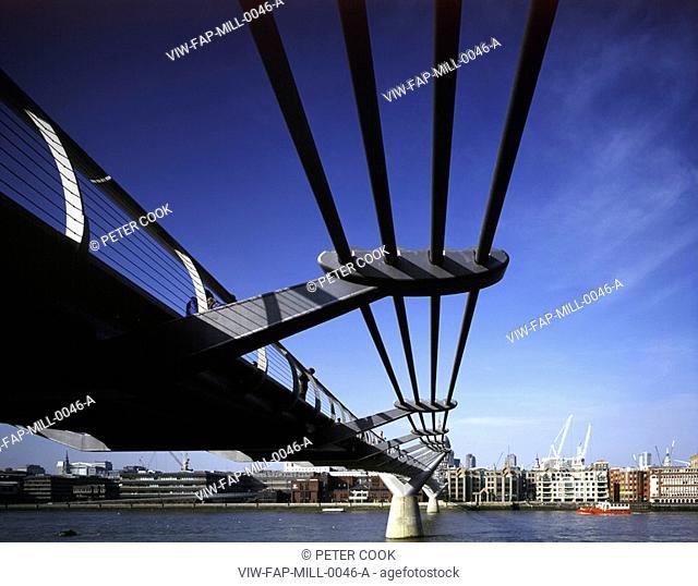 MILLENNIUM BRIDGE, LONDON, SE1 SOUTHWARK + BERMONDSEY, UK, FOSTER & PARTNERS, EXTERIOR, VIEW UNDER BRIDGE TO NORTHSIDE