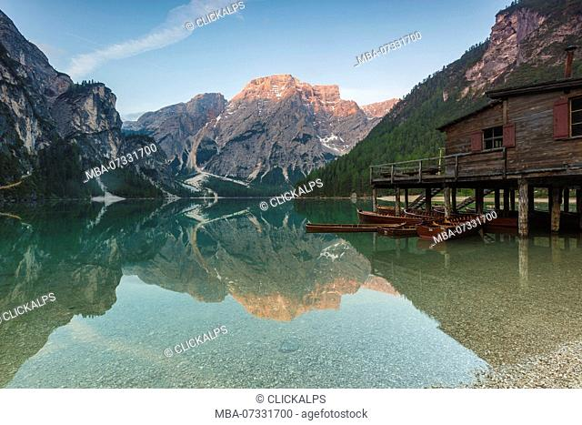 Lake Braies (Pragser Wildsee) with Croda del Becco in the background, Dolomites, province of Bolzano, South Tyrol, Italy