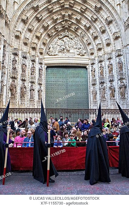 Calle Génova. Penitents Holy Week procession `La Sed' Holy Wednesday Seville Spain