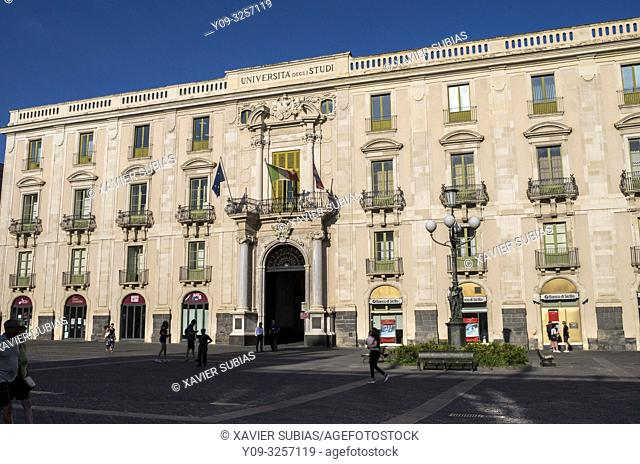 Universitat square, Palazzo San Giuliano, Catania, Sicily, Italy