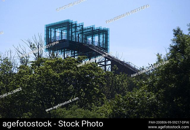 05 August 2020, Lower Saxony, Rinteln: The lookout point Jahrtausendblick at the former amusement park Steinzeichen Steinbergen in the district of Schaumburg