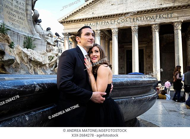 Couple in love at the Roman Pantheon in Rome Italy