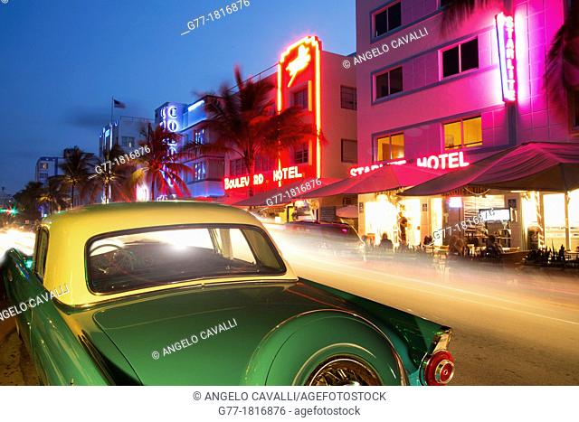 Vintage car in Ocean Drive, Miami Beach, Florida, USA
