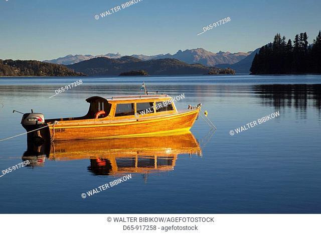 Lake Nahuel Huapi at Manzano Bay, Puerto Manzano, Villa La Angostura, Road of the Seven Lakes, Lake District, Neuquen Province, Argentina