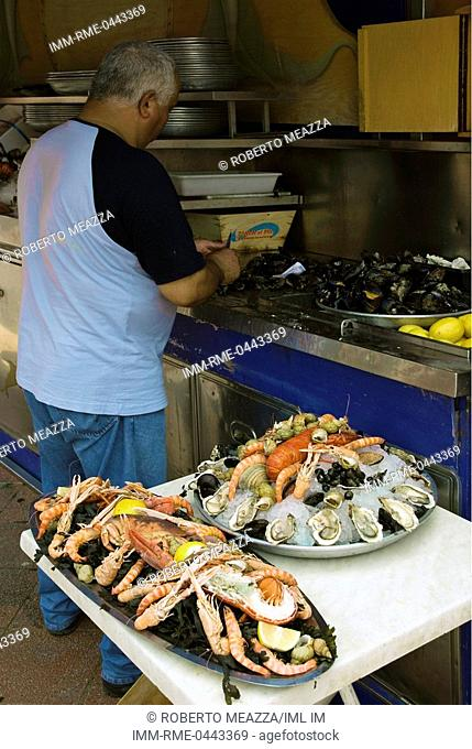 Sea food stall. Nice, Provence-Alpes-Cote d'Azur, France, Europe