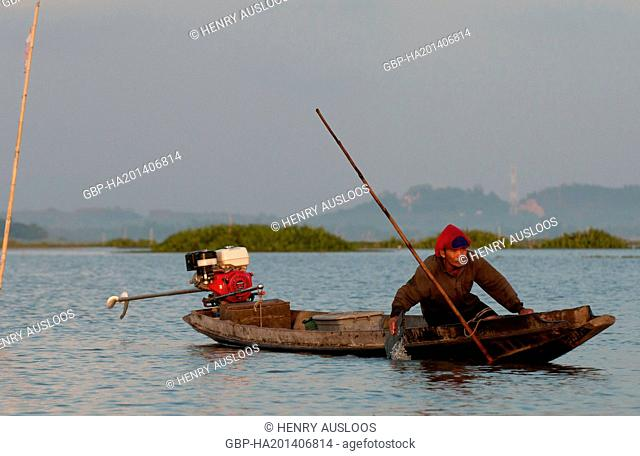 Fisherman - early morning - Long-tail boat - Tale Noi - Patthalung - Thailand, Asia - March 2014