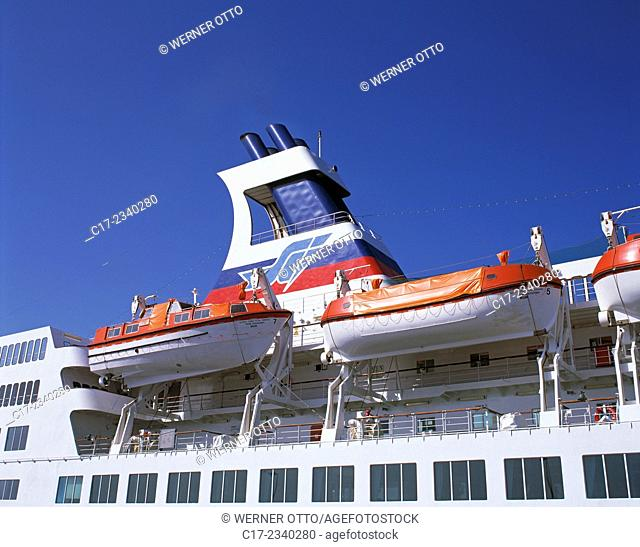travel, holidays, safety, lifeboats on an ocean liner, passenger ship Fedor Dostoevskij Nassau, funnel, seaport, Spain, Canary Islands, Canaries, Tenerife