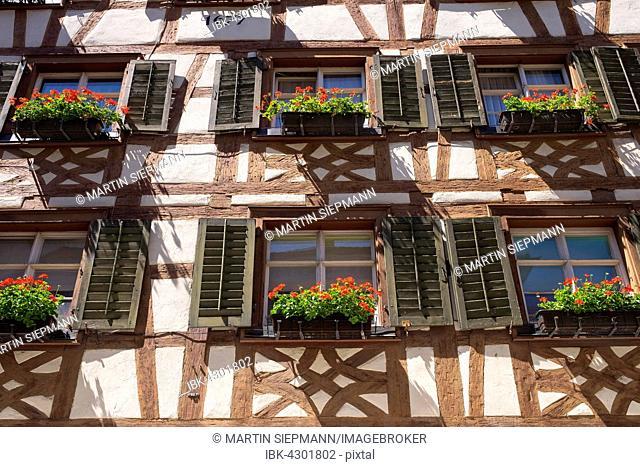 Timbered house by marketplace, geraniums, Meersburg on Lake Constance, Bodenseekreis, Upper Swabia, Baden-Württemberg, Germany