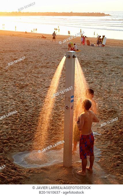 Shower, Zurriola Beach, Donostia, San Sebastian, Gipuzkoa, Basque Country, Spain