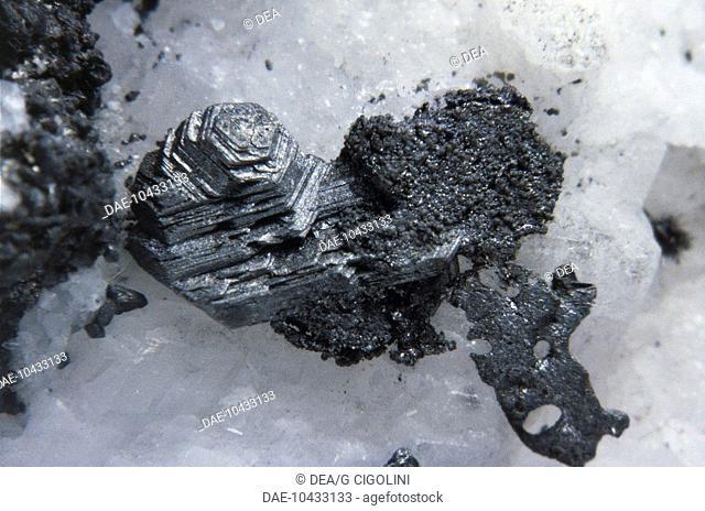 Minerals: Poliybasite (Silver Copper Antimony Sulfide)