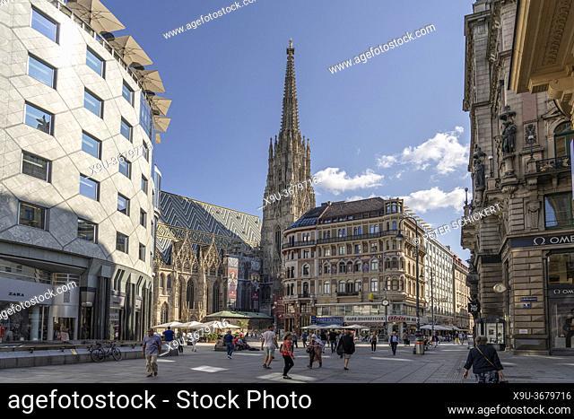 Stephansplatz und Stephansdom in Wien, Österreich, Europa   Stephansplatz square and St. Stephen's Cathedral, Vienna, Austria, Europe