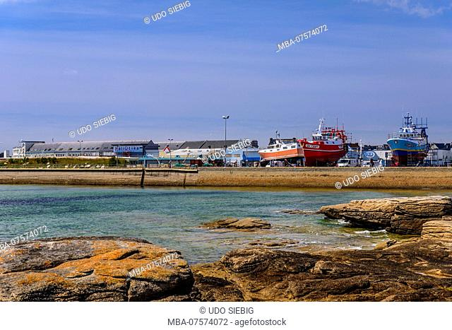 France, Brittany, Finistère Department, Le Guilvinec, fishing port, view from Léchiagat