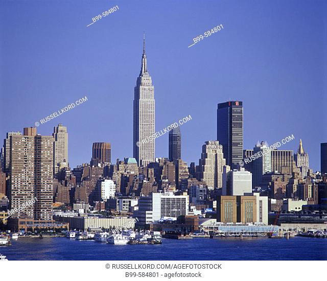 Empire State Building, Mid-town Manhattan Skyline, New York, Usa