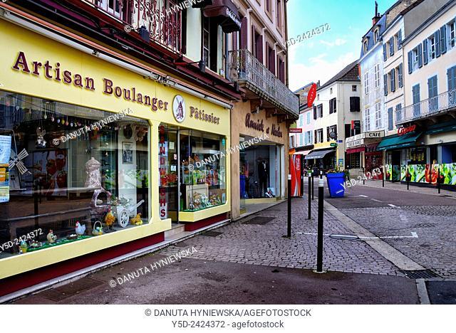 Calm street in center of La Clayette, boulangerie (bakery) on left, La Clayette, Saône-et-Loire department, region of Bourgogne, Burgundy, France