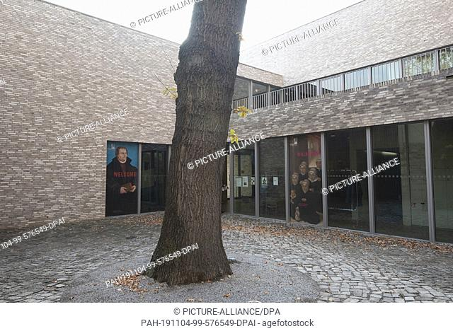 24 October 2019, Saxony-Anhalt, Eisleben: View of the entrance of the Museum Luthers Sterbehaus in Eisleben. The museum shows the death bank of the reformer and...