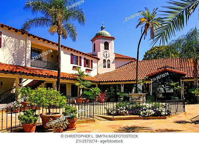 Paseo Nuevo shopping center in downtown Santa Barbara, California
