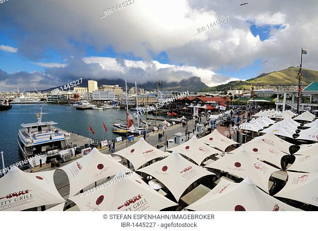 Quay 4, view to Waterfront and Table Mountain, Waterfront, Cape Town, Cape Province, South Africa, Africa