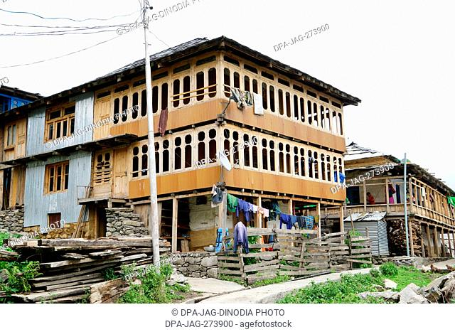 Wooden house, Sarchi Village, Tirthan Valley, Himachal Pradesh, India, Asia