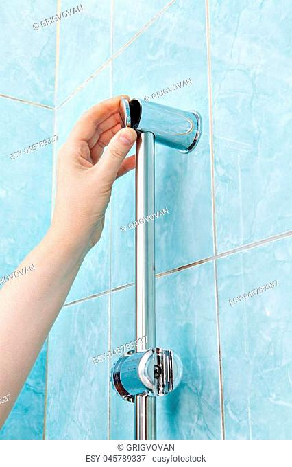 Replace wall mounted vertical shower holder, remove the cover bracket slide rail bar