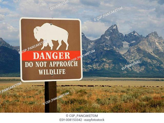 danger wildlife sign