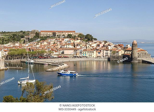 France, Pyrenees Orientales, Cote Vermeille, Collioure, bay of Collioure, general view