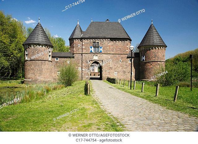 Germany, Oberhausen, Ruhrgebiet, Nordrhein-Westfalen, NRW, Oberhausen-Osterfeld, Burg Vondern, Wasserburg, Vorburg, Museum, Mittelalter, Oberhausen, Ruhr area