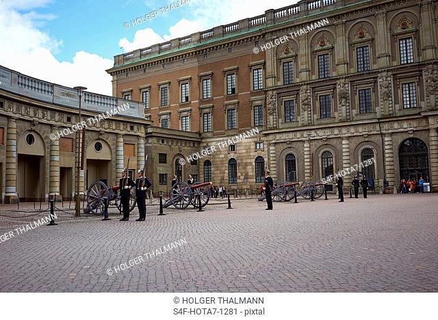 Schweden, Stockholm, Wachen auf dem Schlossplatz