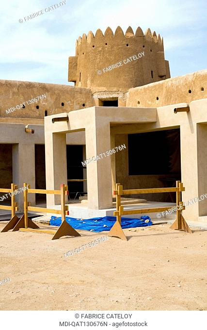 Qatar - Al Zubara - The fort at entry of the Al Zubara excavations - Inside the fort renovation