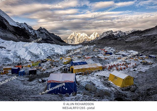 Nepal, Solo Khumbu, Everest, Sagamartha National Park, Tents at the Base camp
