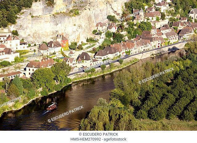 France, Dordogne, Perigord Noir, Dordogne Valley, La Roque Gageac, labelled Les Plus Beaux Villages de France The Most Beautiful Villages of France