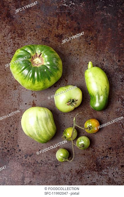Assorted types of green tomatoes