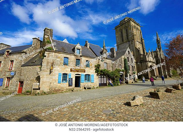 Locronan, Labelled Les Plus Beaux Villages de France, The Most Beautiful Villages of France, St Ronan church, Finisterre, Bretagne, Brittany, Chateulin distict